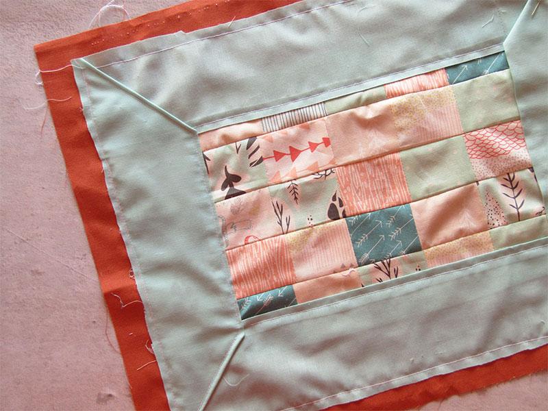 Mantel individual con esquinas diagonales paso 5