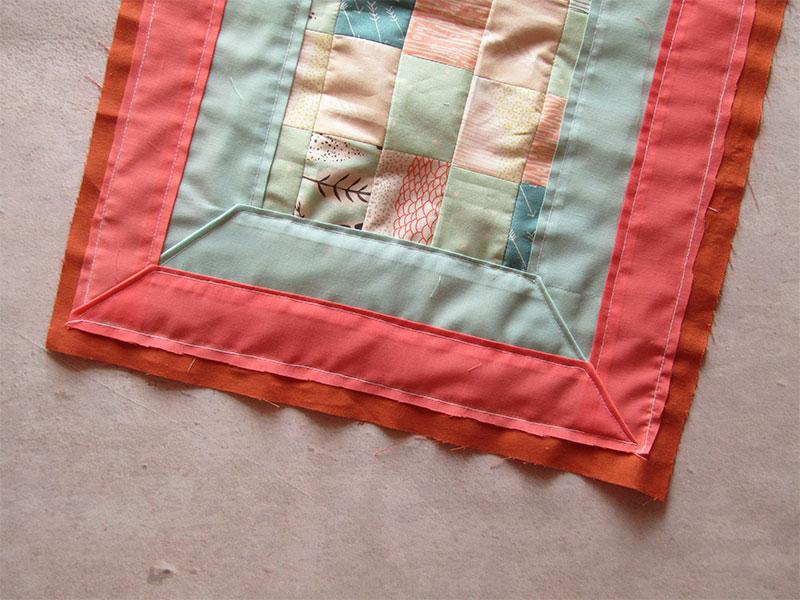 Mantel individual con esquinas diagonales paso 6