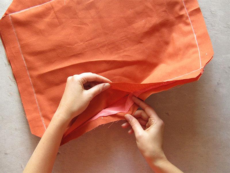 Mantel individual con esquinas diagonales paso 3