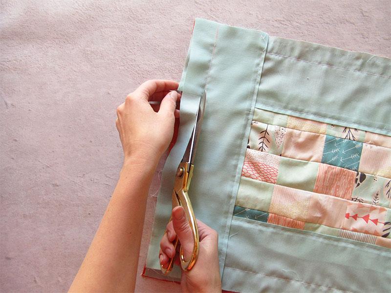 Mantel individual con esquinas diagonales paso 4