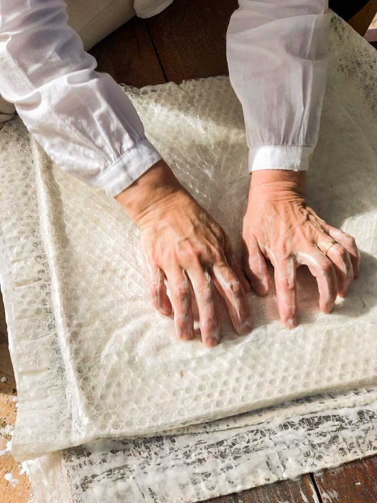 Foto de Mariana Mauad - Amasado del paño textil