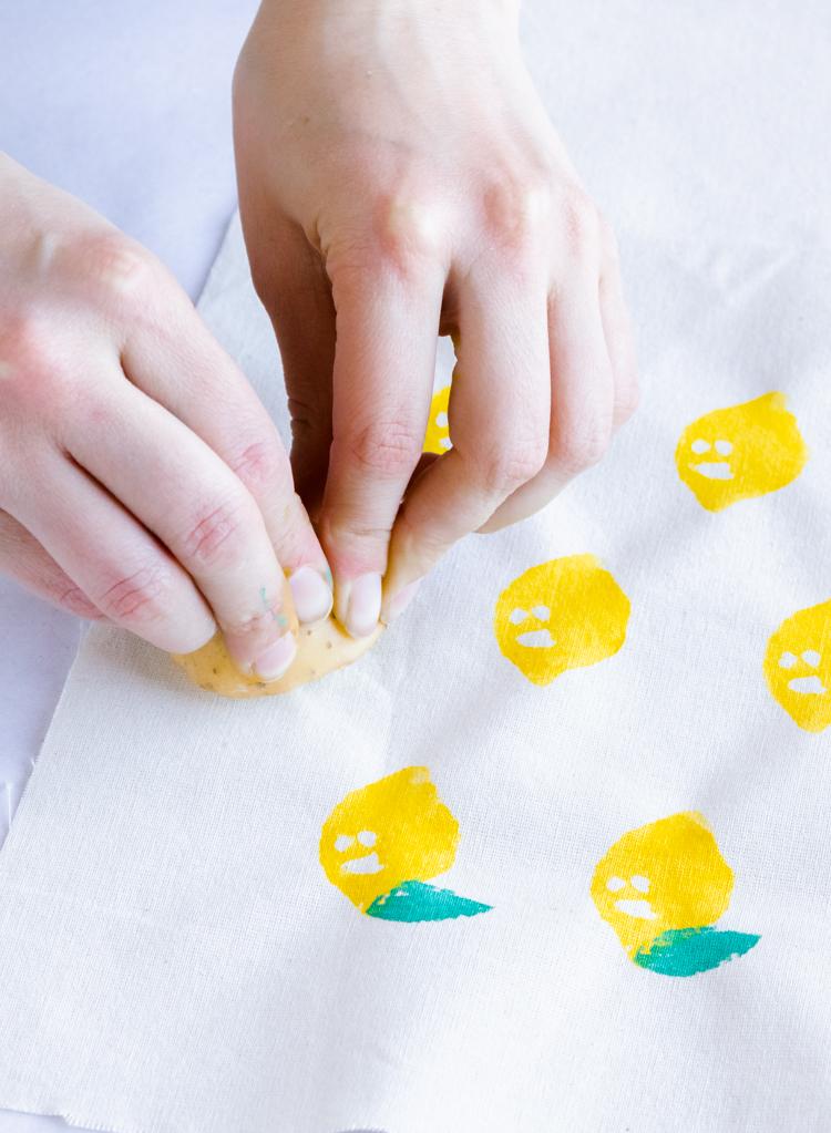 Cómo hacer sellos de papa - Paso 10